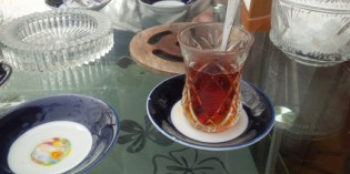 Tea? Tea? Just Tea! Well, tea it is then! Ailevi Chay Evi (26. March 2016)