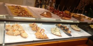Lovely pintxos bar in central Barcelona: Restaurant El Pintxo De Petritxol (5. December 2016)