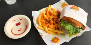 A restaurant with a concept and mediocre food: Restaurant Johnny Rockets (16. April 2017)