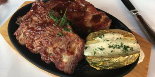A place you wouldn't just walk in – but you definitely should: Restaurant Zum Goldenen Fass (23. May 2017)
