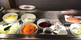 Decent lunch buffet in a take away place: Restaurant Neuhaus (9. May 2018)