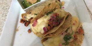 Regular airport food – not recommended: Alfa Bar & Restaurante (22. August 2018)
