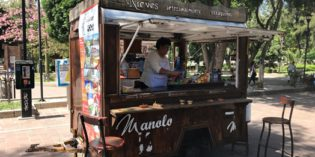 Lovely ice cream truck in the middle of nowhere: Manolo Nieves (24. August 2018)