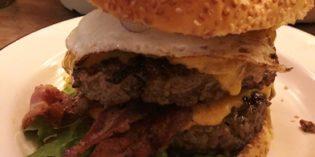 Mouth-watering super size burgers: Restaurant Brooklyn Burger Bar (14. November 2018)