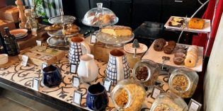 Decent breakfast buffet but not worth traveling for: Restaurant Bistrôa @ Fontecruz Hotel (22. June 2019)