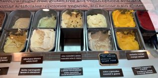 Amazingly tasty ice creams for your walk through Frigiliana: Levi Angelo Chocolatier (25. December 2019)