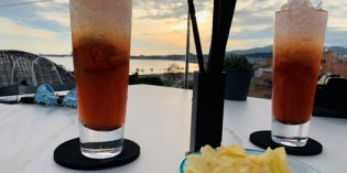 Great drinks location with a harbor view for sunset: Almaq Rooftop Bar (25. February 2020)