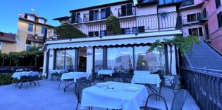 Delicious breakfast with a marvelous view: Restaurant Du Lac @ Hotel Du Lac (19. July 2021)